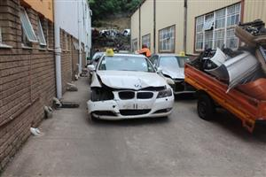 Stripping this vehicle BMW 320I E90 EXCLUSIVE MAN 2011