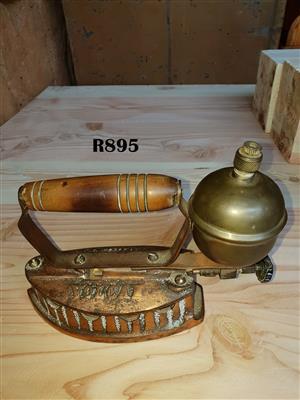 Antique Volcan Pressing Iron (Collectors Item)