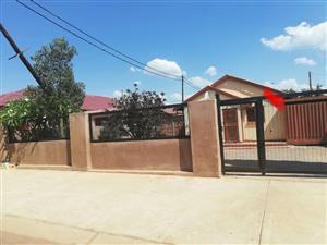 HOUSE FORSALE BLOCK W W SOSHANGUVE R 450.000