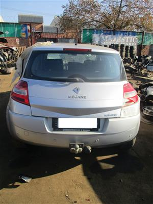 MEGANE 11 2.0 2008 DYNAMIQUE 5DR stripping for spares !!
