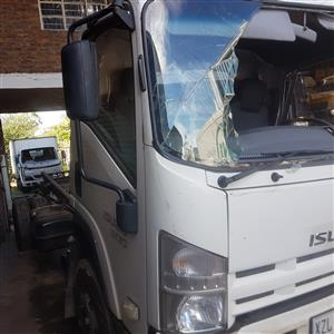 ISUZU NHR, NMR ,NPR,NQR,FRR  SMOOTHER TRUCKS - STRIPPING FOR SPARES