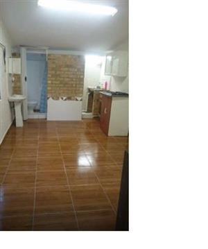 Studio apartment to rent in Seaview
