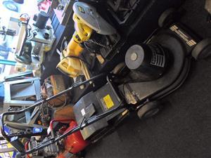 SX 2200W Southern Cross Lawnmower