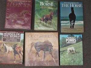 Horses an Ponies - 14 Reference books - in excellent condition
