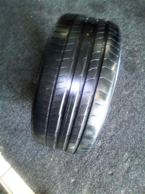 255/35/19 Good used run-flat tyre R900 each.