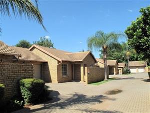 2 BEDROOM TOWNHOUSE IN PRETORIA EAST,DIE WILGERS-TO RENT-R8000 P/M