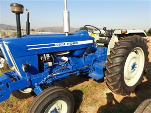 FORD TRACTOR 5600