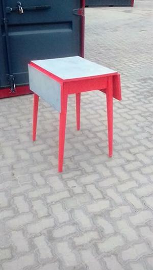 Red drop side table stand