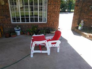 Baby feeding chair and table combo
