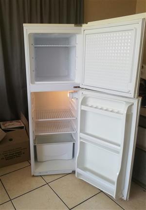Fridge, beds, washing machine. Urgent sale