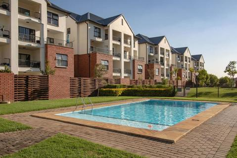 2 Bedroom Apartment For Sale in Greenstone Hill, Edenvale