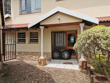 Townhouse  For sale in Atholl Heights