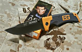 Bear Grylls BLADE + Survival kit SELL/SWOP FOR CELLPHONE