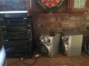 Hifi met speakers te koop