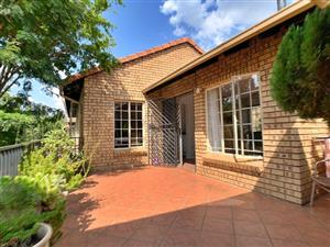 Townhouse to let Lynnwood Manor