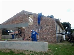 WE SPECIALZE IN RENOVATING HOUSES AND BUILDING CONSTRUCTION