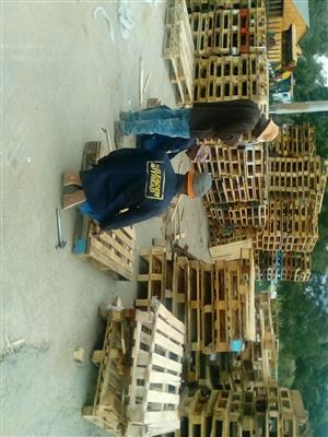 Second hand wooden pallets