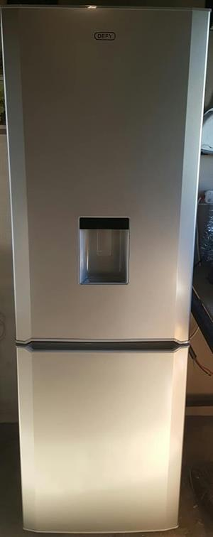 Defy 365L frost free fridge freezer