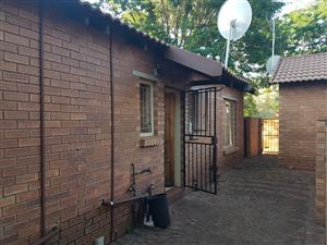 2 BEDROOM TOWNHOUSE IN THERESAPARK