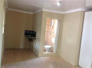 Pimville rooms to rent with shower and toilet R1600
