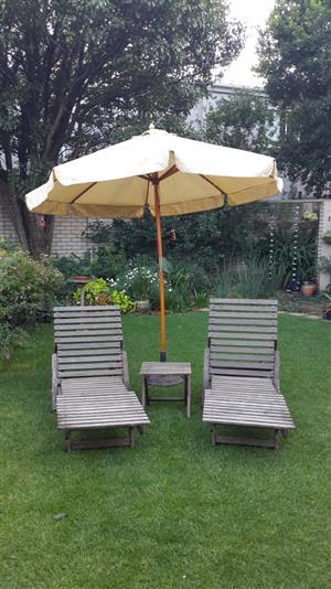 Outdoor Sun Loungers Set With Garden Umbrella