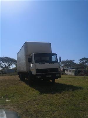 Mercedes Econoliner, Closed Van Body