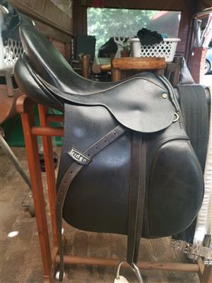Trident 16inch GP Saddle