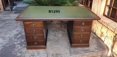 Classique Executive Desk (1700x1000x760)