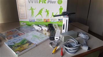 WII PLUS NINTENDO AND ACCESSORIES