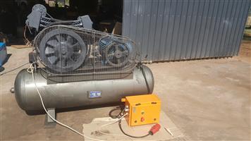Ingersoll Rand Compressor 500L 11 kw ,12 Bar. 3 Phase + Electric box & contactors