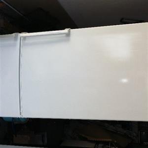 Bosch fridge freezer 330l