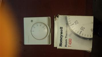 Honeywell Room Thermostat T4360