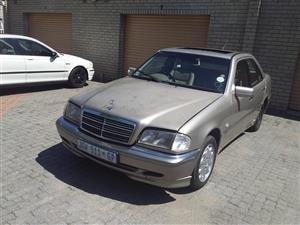 1999 Mercedes Benz 240 G