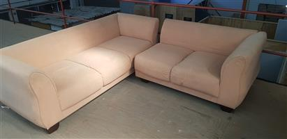 Large corner couch (2 pieces)