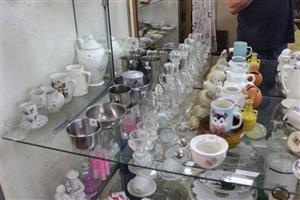 Mini shot glasses,teapots and glass liquor holders