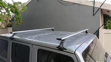 THULE roof racks to fit Jeep Wrangler | Junk Mail