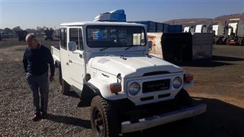 Toyota Land Cruiser D/cab,Legend