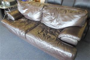 2 Seater Leather Cou