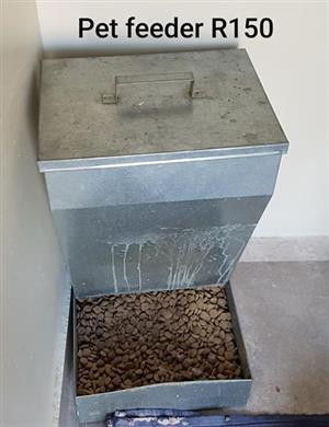 Metal pet feeder for sale
