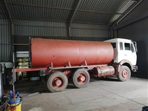 WE MANUFACTURE WATER TANKER WITH A MANGERABLE PRICE AND WITH GOOD QUAILTY