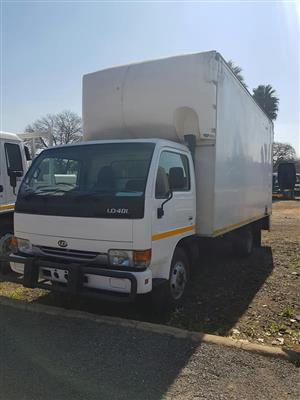 2007 Nissan UD40 Closed Body truck for sale