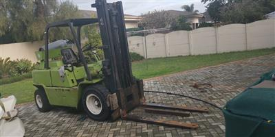 Forklift (Good Condition)