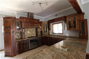 Upmarket Family Home with extra Bachelor Flat in sought after Dam Area, Potchefstroom