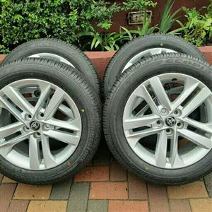 TOYOTA COROLLA OEM NEW 16IN MAGS & TYRES