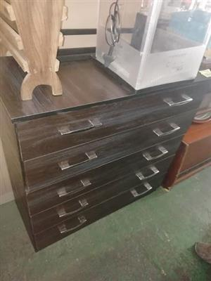 Chest of draws brand new