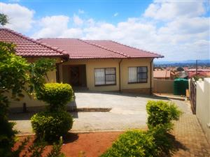 Family Home For Sale Rustenburg Tlhabane West,Beautiful Gem with nothing to ADD or Take away...