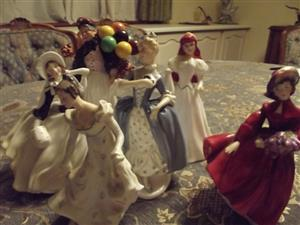 Royal Doulton Figurines and charature figurines collection +- 80 being sold separately at very good prices