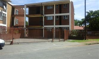 Bachelor flat available in Germiston South