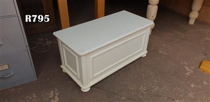 White Vintage Kist (950x450x460)