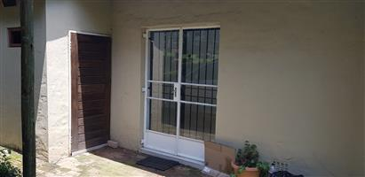 Spacious 1 bed garden cottage in country/farm setting